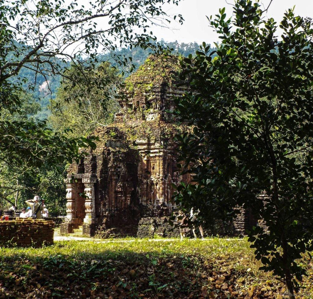Vietnam- My Son - Temple caché