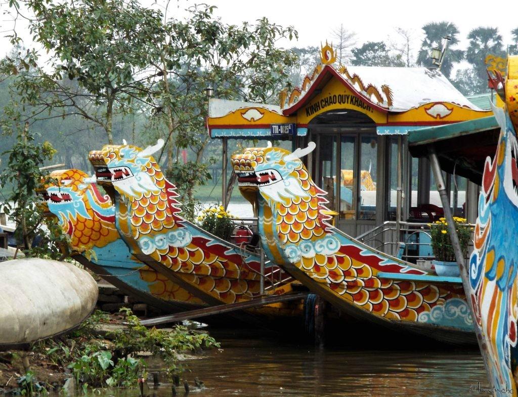 Vietnam - Perfume river - Boat dragon