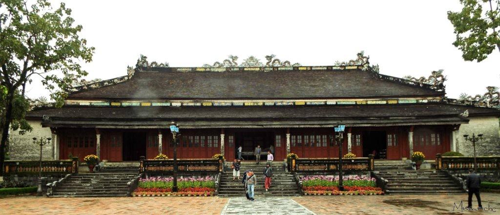 Vietnam - Hue - Palace red