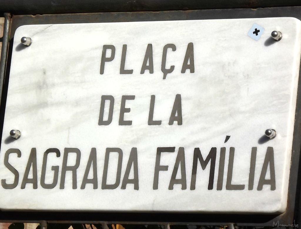 Familia Segrada Sign